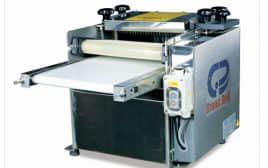 Squid cutting machine